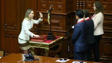 Luciana León asume tercera vicepresidencia del Congreso [FOTOS]