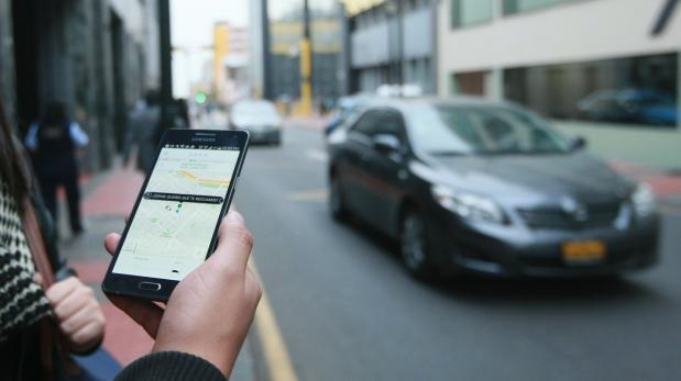 Autoridades no entienden cómo funcionan apps de taxi [OPINIÓN]