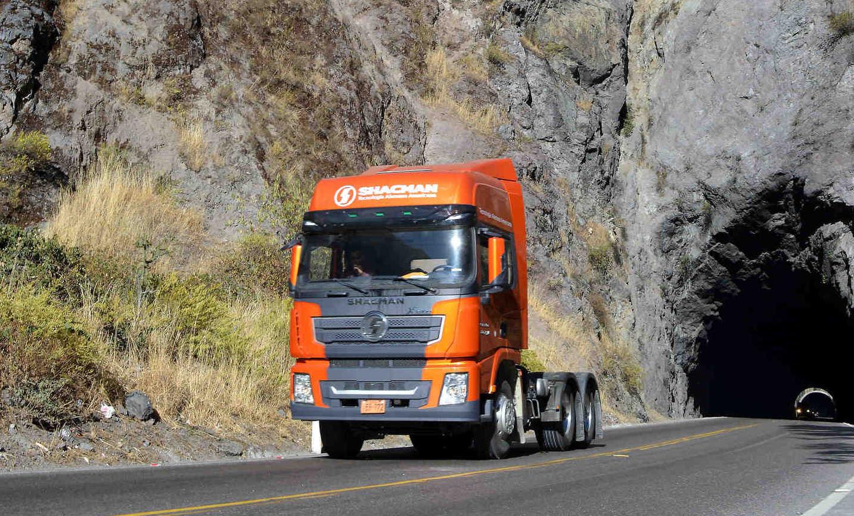 El Shacman X3000 es ideal para empresas de centros de transporte y logística.