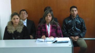 Mujer que agredió a PNP fue sentenciada a prisión suspendida