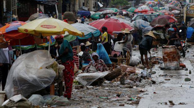 Huracán Matthew se acerca a península haitiana de Tiburón
