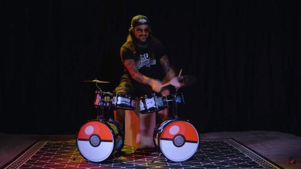 Interpreta clásicos del heavy metal con batería de Pokémon