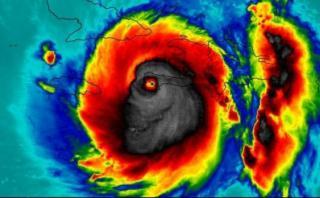"""La """"calavera"""" vista en el huracán Matthew desde el espacio"""