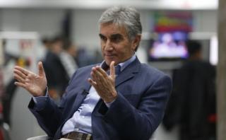 """Oblitas cree que es el """"mejor momento"""" para dañar a Chile"""