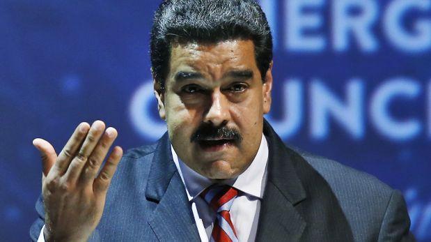 Oposición venezolana se moviliza a centros de votación para pedir RR