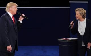 """Clinton y Trump cantan a """"Olvídame y pega la vuelta"""" en parodia"""