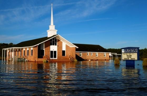 Estados Unidos sigue padeciendo por el huracán Matthew