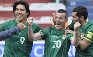 Escobar anotó un golazo a Ecuador luego de hacer caer a defensa