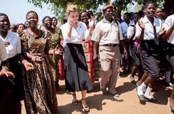 Emma Watson confesó que usa zapatos hechos en Perú