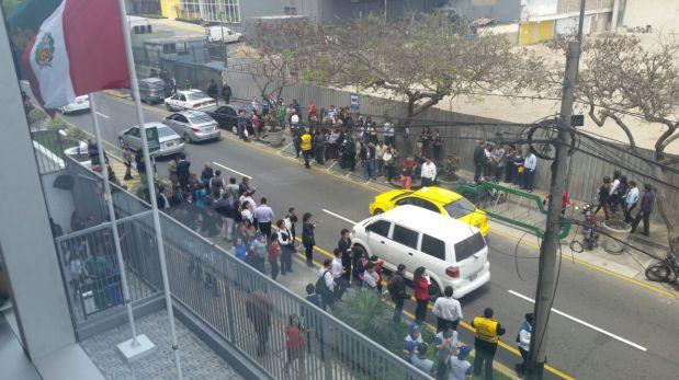 San Isidro: evacúan municipalidad tras amenaza de bomba