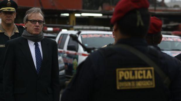 Mininter alista una purga de al menos 600 oficiales de la PNP