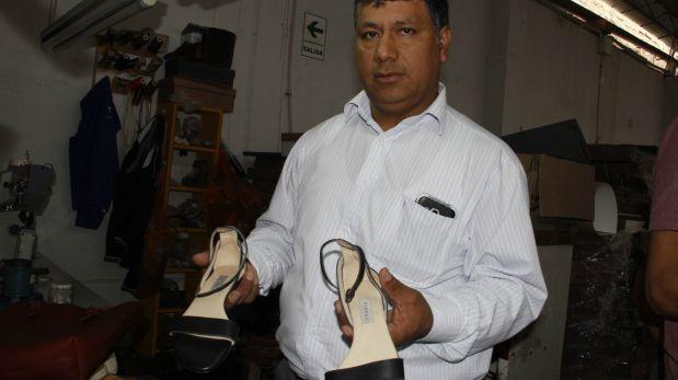 Conoce al zapatero trujillano que hizo sandalias de Emma Watson