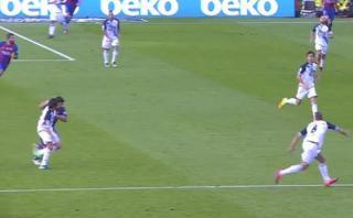 Luis Suárez agredió a jugador de La Coruña con este puñetazo