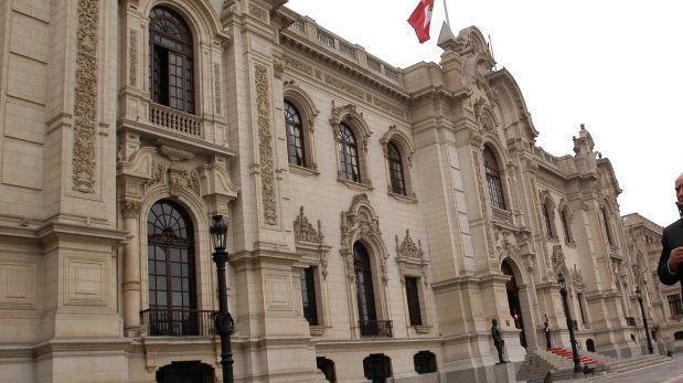 Ejecutivo oficializó renuncias de Jorge Villacorta y José Labán