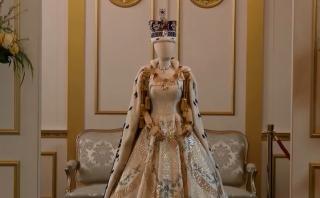 """Netflix muestra cómo se trabajó el vestuario de """"The Crown"""""""