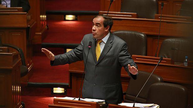 Yonhy Lescano evalúa renunciar a la Comisión de Ética