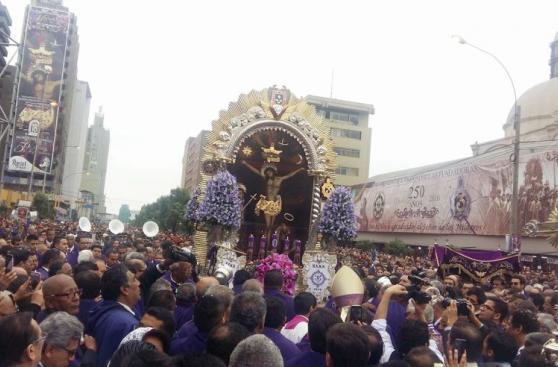 Señor de los Milagros: las imágenes de la segunda procesión