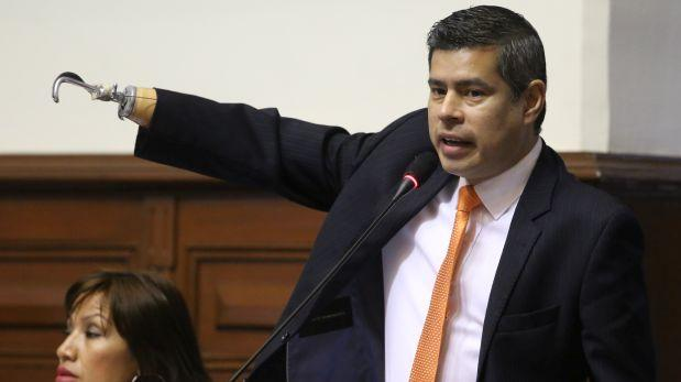 """Luis Galarreta: """"Hay una improvisación muy lamentable de PPK"""""""