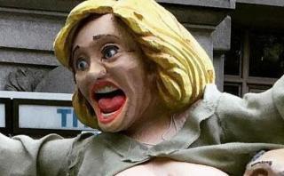 Estatua de Hillary Clinton desnuda conmocionó Nueva York