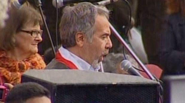 Fujimorista Petrozzi le cantó al Señor de los Milagros [VIDEO]
