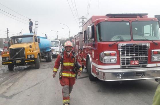 Incendio en El Agustino: bomberos siguen trabajos tras 12 horas