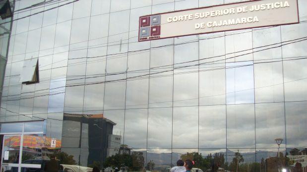 Cadena perpetua para ex director de colegio por violar a alumna