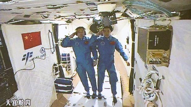 Astronautas chinos llegaron al laboratorio espacial Tiangong-2