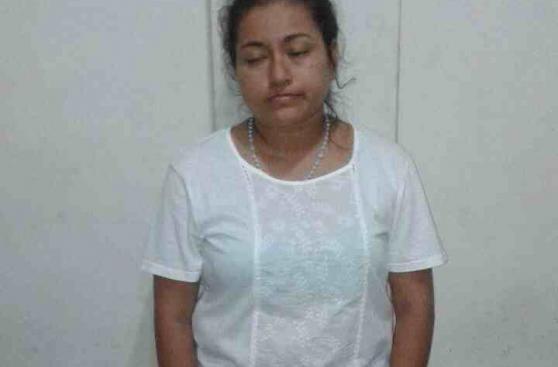 Arrestan a mujer que habría forzado a una menor a prostituirse