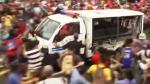 Filipinas: Policía atropella a manifestantes frente a embajada - Noticias de imagenes mas impactantes