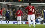 Manchester United pateó dos penales en menos de tres minutos