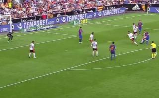 Gol de Lionel Messi: lo marcaron dos, pero definió perfecto