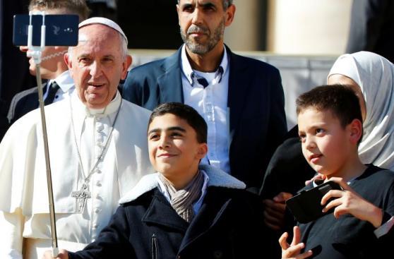 Vaticano: Multitud celebra el día de San Juan Pablo II [FOTOS]