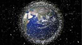 La basura espacial está compuesta por desechos de satélites, cohetes y otros dispositivos humanos que quedan flotando en la zona conocida como GEO.