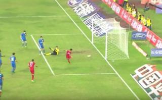 Insólita ocasión de gol desperdiciada en liga de China [VIDEO]
