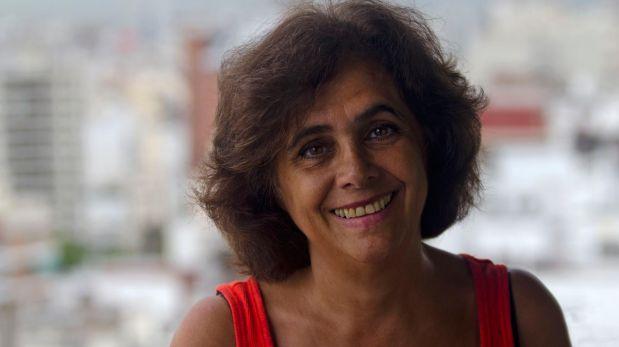 """Ana María Shua, novelista y cuentista argentina. Entre sus libros de microrrelatos más destacados encontramos títulos como """"Viajando se conoce gente"""" (1988) o """"Como una buena madre"""" (2002). Es considerada una de las más importantes cultoras contemporáneas del género. (Foto: Archivo personal)"""