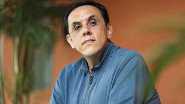 """Alberto Chimal, narrador, dramaturgo y ensayista mexicano. Participó, además, en el Tercer Festival de la Palabra PUCP. Ha escrito los libros de microficción """"El viajero en el tiempo"""" y """"El gato del viajero en el tiempo"""". En el 2011 publicó mediante Twitter microrrelatos que luego compiló bajo el título """"83 novelas"""".(Foto: Nancy Chappell)"""