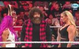 WWE: Banks y Charlotte no oyeron a Foley y pelearán en la celda