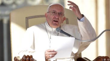 Iglesia prohíbe esparcir cenizas de difuntos o tenerlas en casa