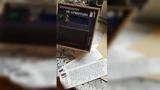 """Facebook: inventó máquina que """"expende literatura"""" en tickets"""