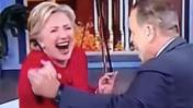 Así baila salsa Hillary Clinton [VIDEO]