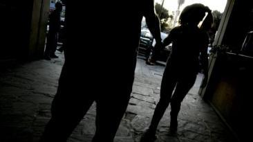 Suecia: Siete años de cárcel para hombre que abusó de 100 niñas