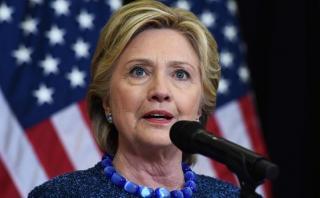 Clinton dice estar segura de que no será imputada por el FBI