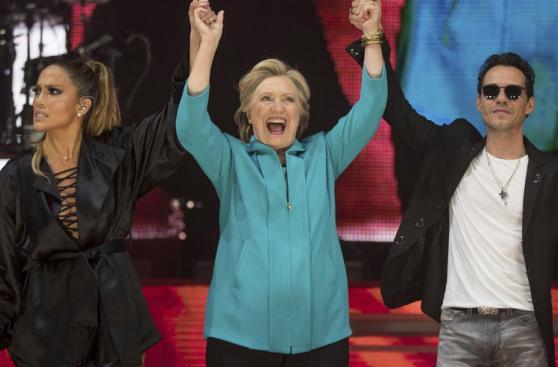 Jennifer López y Marc Anthony cantaron por Clinton [FOTOS]