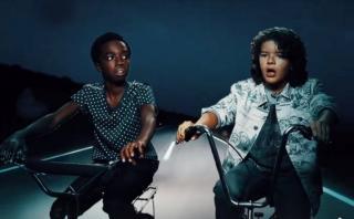 """Netflix: los niños de """"Stranger Things"""" encuentran a la llorona"""