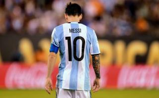 Passarella explica por qué Lionel Messi no debe ser capitán