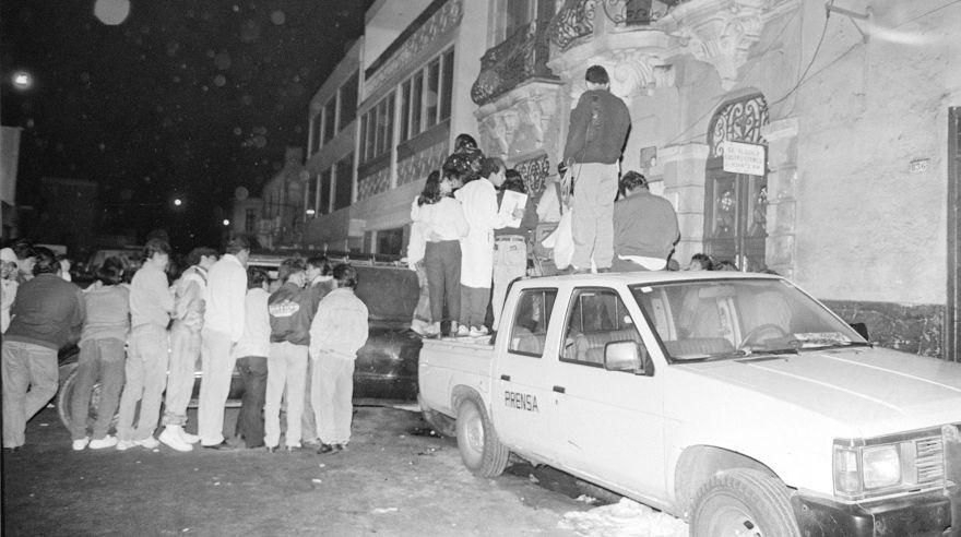El 3 de noviembre del 1991, en la cuadra 8 del jirón Huanta, en Barrios Altos, 15 vecinos, entre hombres, mujeres y niños, fueron salvajemente asesinados cuando compartían una 'pollada'. (Foto: Archivo Histórico de El Comercio)