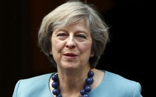 Calendario del Brexit permanece sin cambios, afirma Theresa May