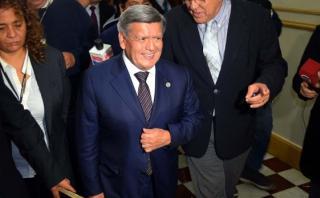 Acuña pide a congresistas de APP ser gestores de los alcaldes