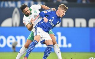 Con Claudio Pizarro: Werder Bremen cayó 3-1 ante Schalke 04