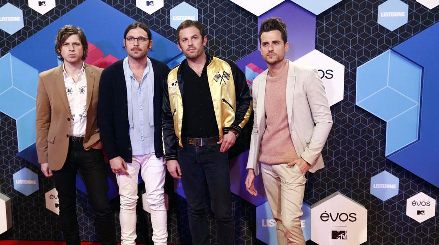 Kings of Leon llegando a la alfombra roja de los MTV EMA 2016. (Foto: AP)